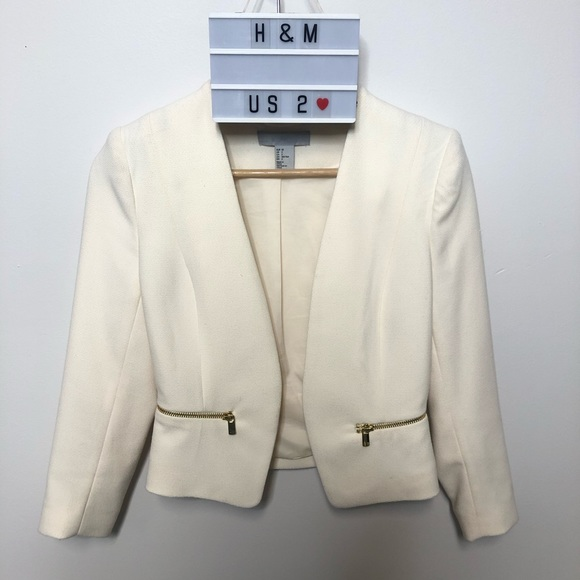 ⭐️5 FOR $25⭐️H&M Off White Cropped Blazer